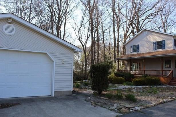 8518 E Lake Road, Harborcreek, PA - USA (photo 2)