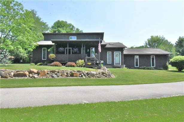 334 Sharon Bedford Rd, W Middlesex, PA - USA (photo 1)