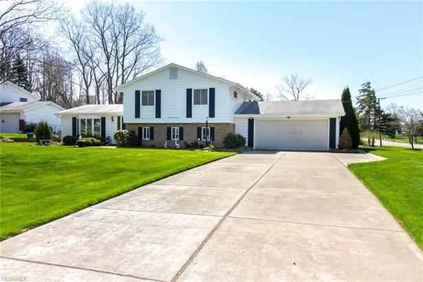 237 Springmont Rd, Sagamore Hills, OH - USA (photo 2)