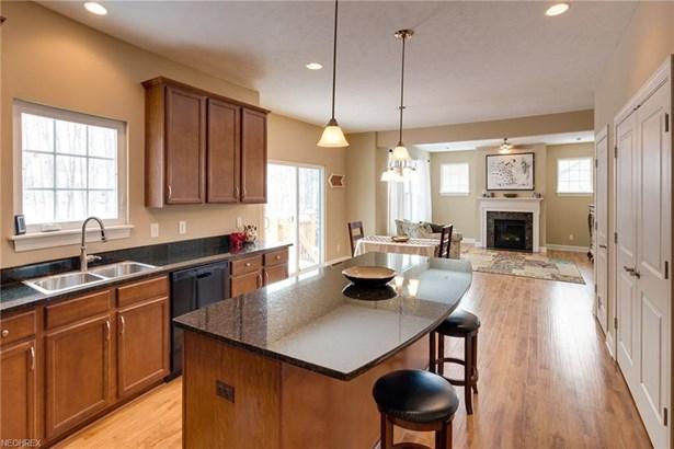 390 Wilson Mills Rd, Chardon, OH - USA (photo 3)