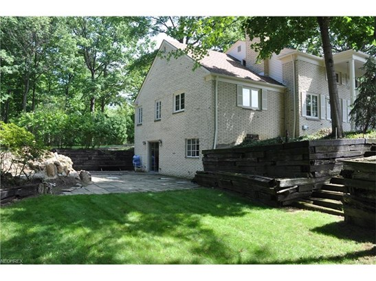 20980 Valley Forge Dr, Fairview Park, OH - USA (photo 4)