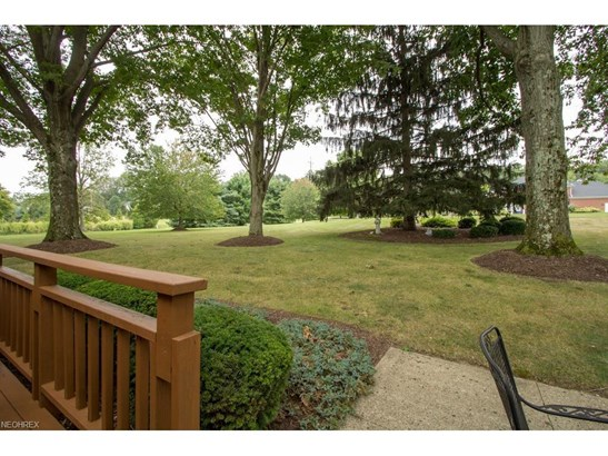 4818 Arbour Green Dr, Akron, OH - USA (photo 2)