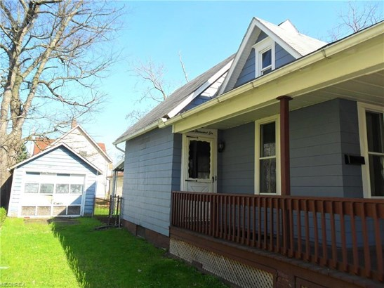 1006 Rowland Ne Ave, Canton, OH - USA (photo 2)