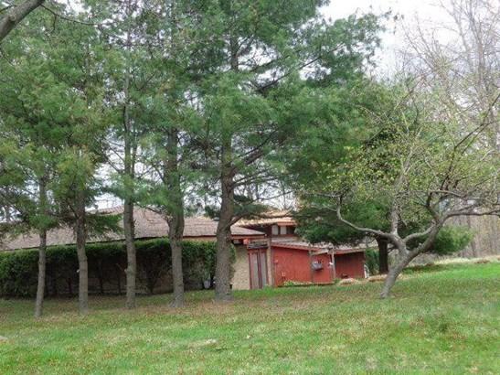 227 Chestnut St., Fredonia, NY - USA (photo 3)