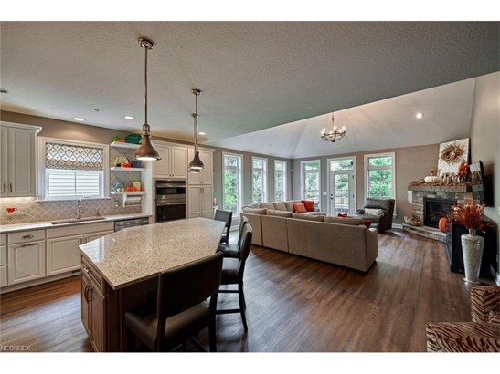 6404 St Augustine Nw Dr, Canton, OH - USA (photo 4)