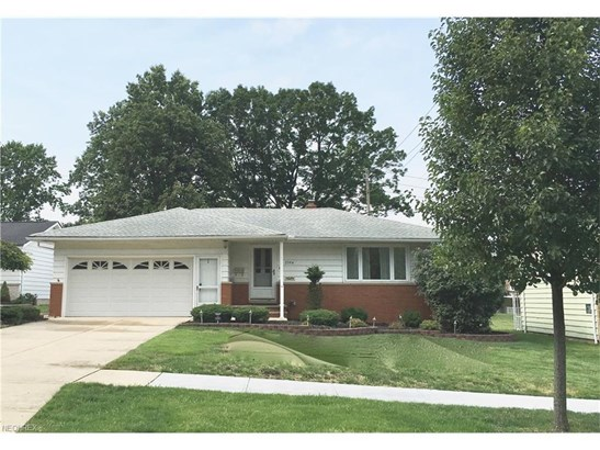 2594 Coventry Dr, Parma, OH - USA (photo 1)