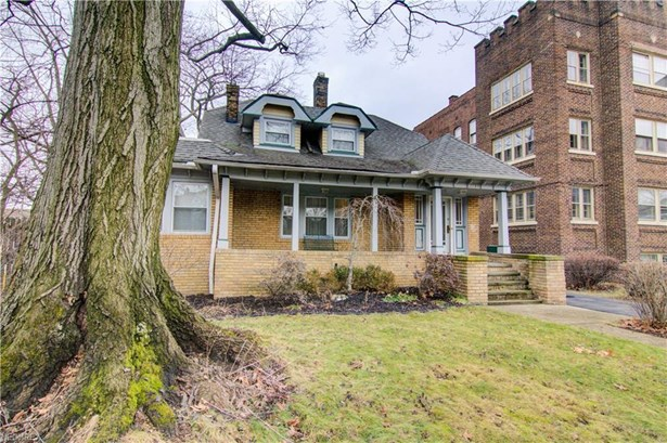 2753 Lancashire Rd, Cleveland Heights, OH - USA (photo 1)