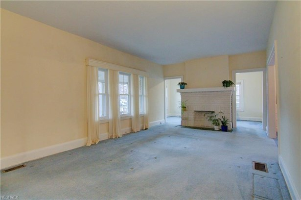 2753 Lancashire Rd, Cleveland Heights, OH - USA (photo 5)