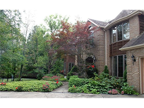 7541 Southampton Dr, North Royalton, OH - USA (photo 2)