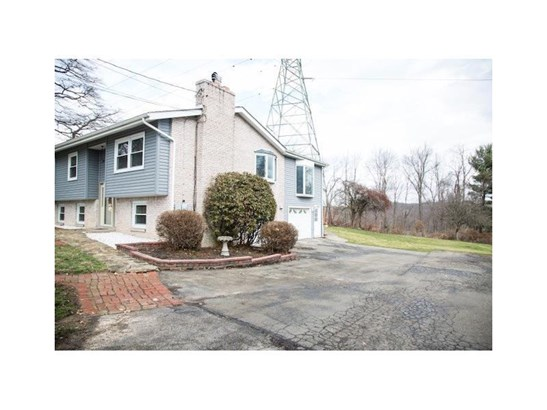 11939 Larimer Avenue, North Huntingdon, PA - USA (photo 2)