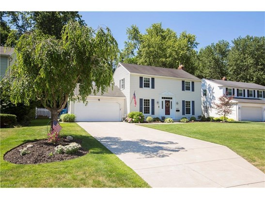 23271 Stoneybrook Dr, North Olmsted, OH - USA (photo 2)