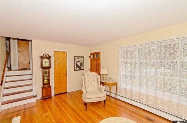 284 Osborne Rd, Loudonville, NY - USA (photo 4)