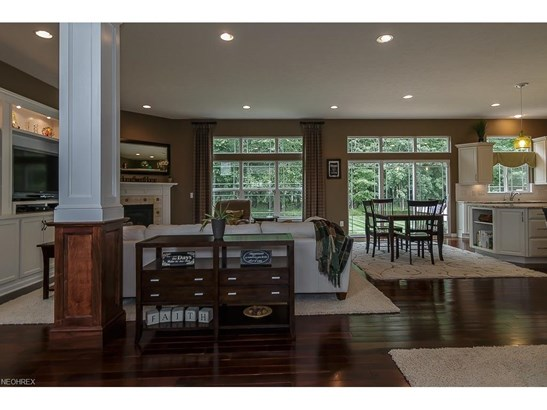 38741 Edward Walsh Dr, Willoughby, OH - USA (photo 2)