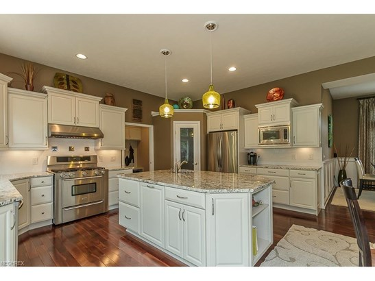 38741 Edward Walsh Dr, Willoughby, OH - USA (photo 4)