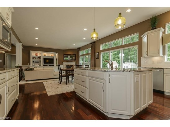 38741 Edward Walsh Dr, Willoughby, OH - USA (photo 5)
