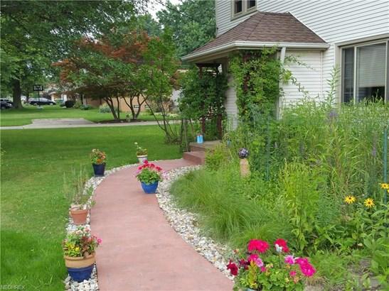 571 E Ridgewood Dr, Seven Hills, OH - USA (photo 3)