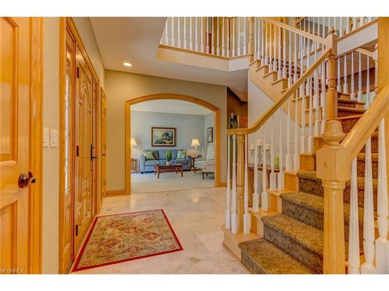 4563 Hunting Valley Ln, Brecksville, OH - USA (photo 4)
