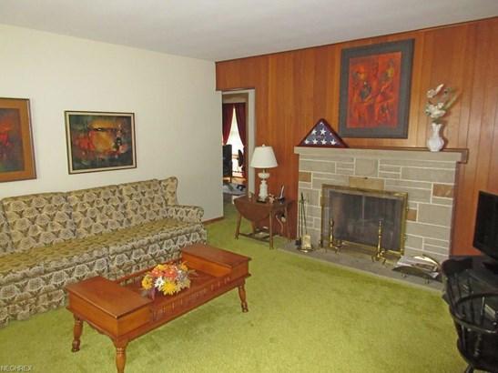 1196 E Wallings Rd, Broadview Heights, OH - USA (photo 3)