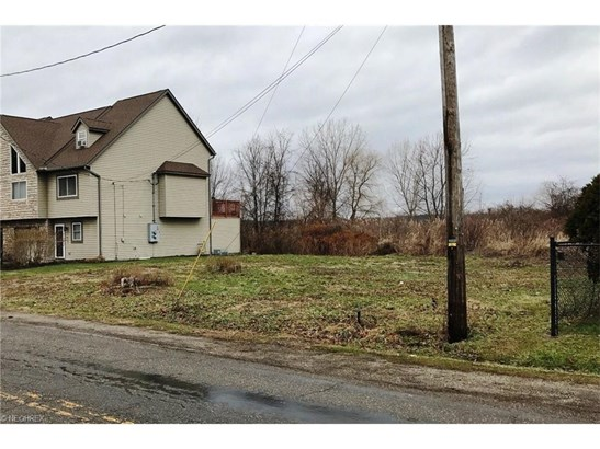 2399 Lakeside Dr, Lakemore, OH - USA (photo 4)