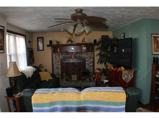 2712 High St, Lower Burrell, PA - USA (photo 4)