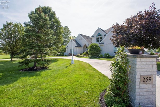 259 South Manor Court, Oak Harbor, OH - USA (photo 2)