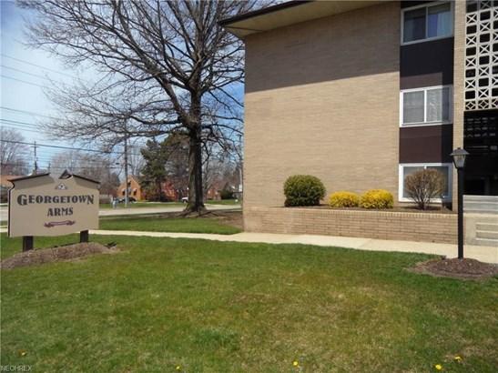 10440 North Church 214, Parma Heights, OH - USA (photo 2)