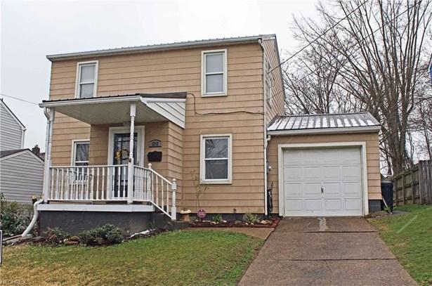 1202 Courtland Rd, Weirton, WV - USA (photo 1)