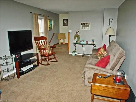 1202 Courtland Rd, Weirton, WV - USA (photo 2)