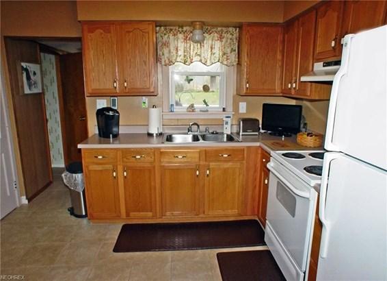 1202 Courtland Rd, Weirton, WV - USA (photo 3)