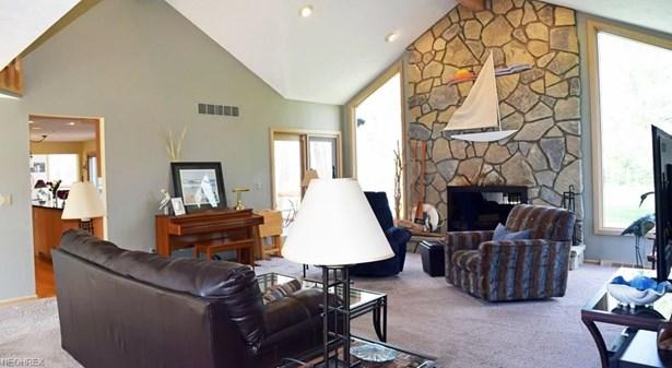 8260 Eagle Ridge Dr, Concord, OH - USA (photo 5)