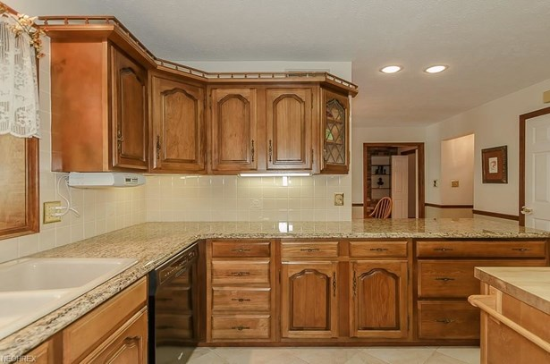 11455 Rust Dr, Chesterland, OH - USA (photo 5)
