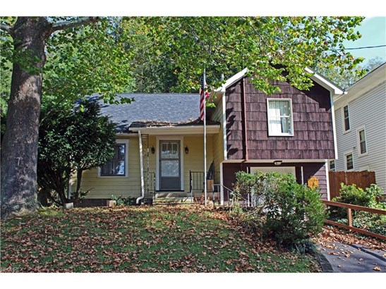 1502 Grand Ave, Wellsburg, WV - USA (photo 1)