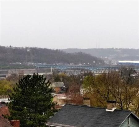 828 Spring St, Braddock, PA - USA (photo 5)