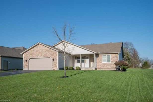 1279 Victory Hill Ln, Austintown, OH - USA (photo 1)