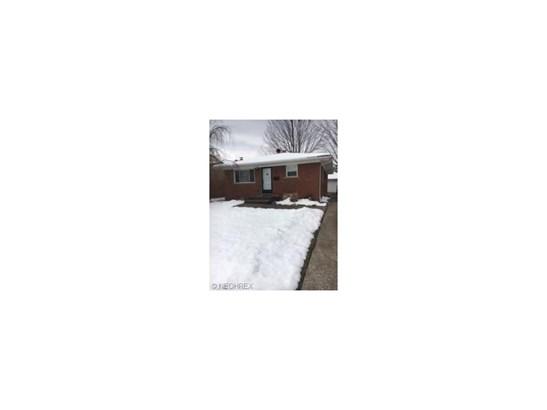 5596 Kenton Ave, Maple Heights, OH - USA (photo 2)