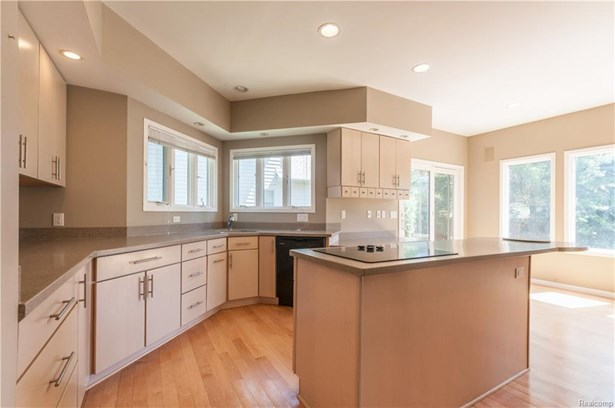 1219 Forest Bay Dr, Waterford, MI - USA (photo 4)
