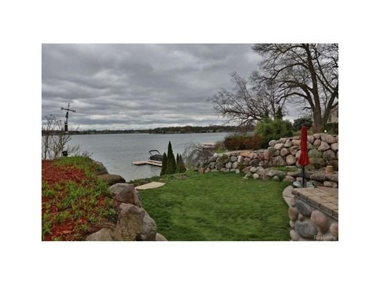 7733 Locklin, Orchard Lake, MI - USA (photo 2)