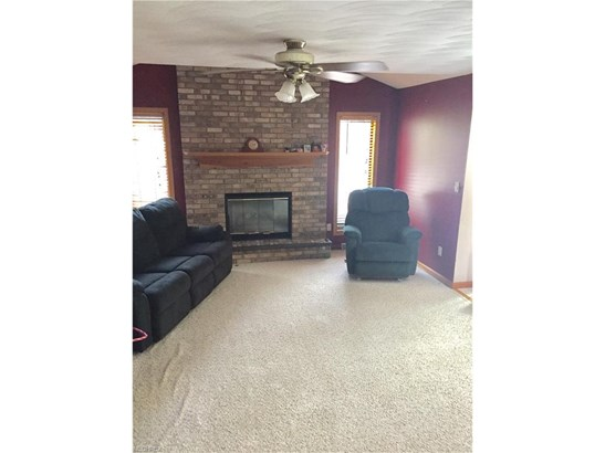 2937 Spring Meadow Cir, Youngstown, OH - USA (photo 4)