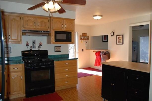 1200 Outlook St, Natrona Heights, PA - USA (photo 2)