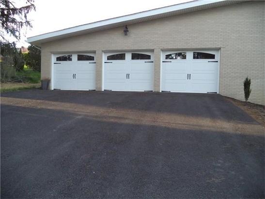 12111 Longview Drive, North Huntingdon, PA - USA (photo 2)