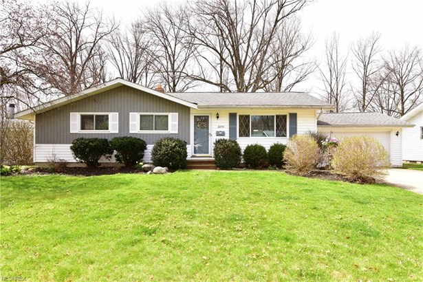 26959 Eastwood Ln, Olmsted Falls, OH - USA (photo 1)