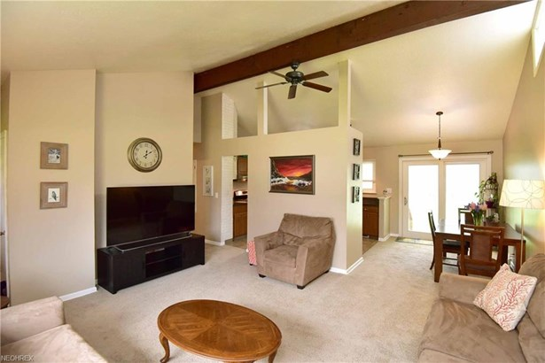 26959 Eastwood Ln, Olmsted Falls, OH - USA (photo 3)