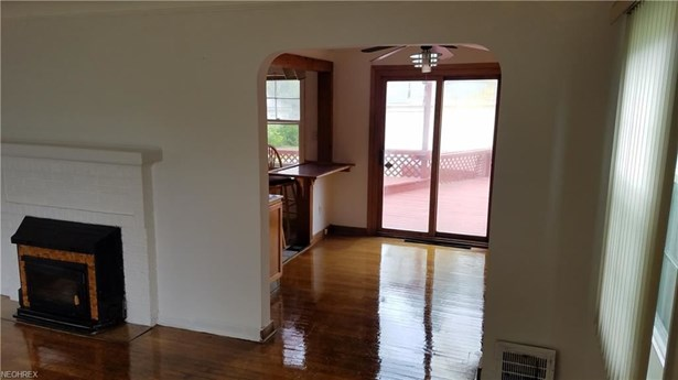 1533 Fruitland Ave, Mayfield Heights, OH - USA (photo 2)