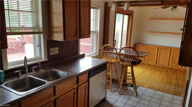 1533 Fruitland Ave, Mayfield Heights, OH - USA (photo 4)