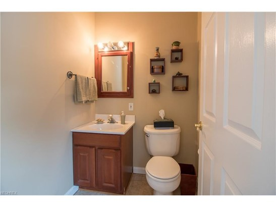 9904 Foster Ave, Bratenahl, OH - USA (photo 5)