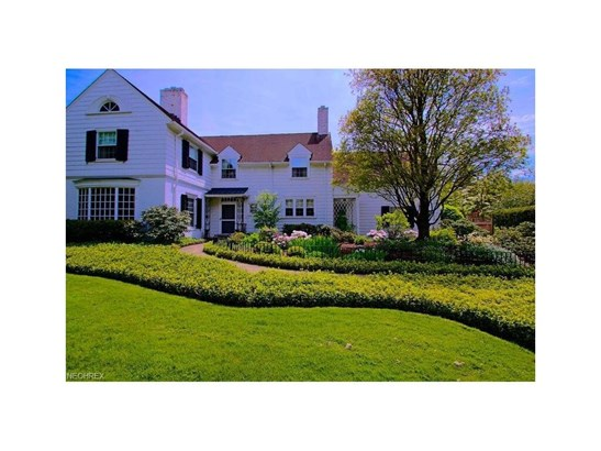23976 Stanford Rd, Shaker Heights, OH - USA (photo 2)