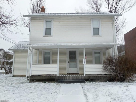 104 E Liberty St, Lowellville, OH - USA (photo 1)