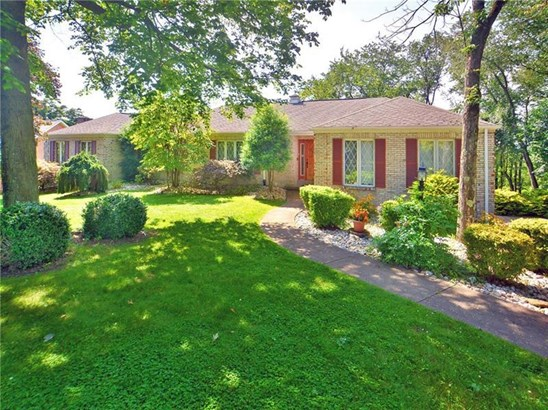 402 Lorenzo Lane, Hempfield, PA - USA (photo 1)