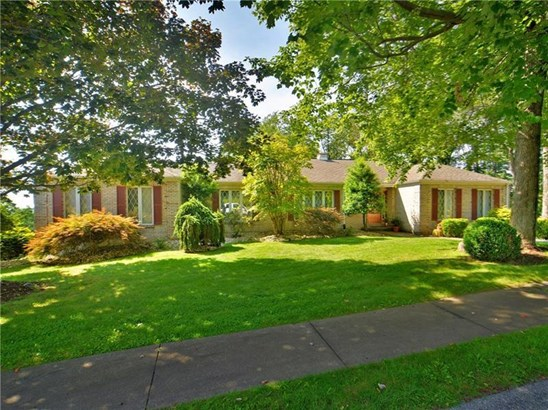 402 Lorenzo Lane, Hempfield, PA - USA (photo 2)