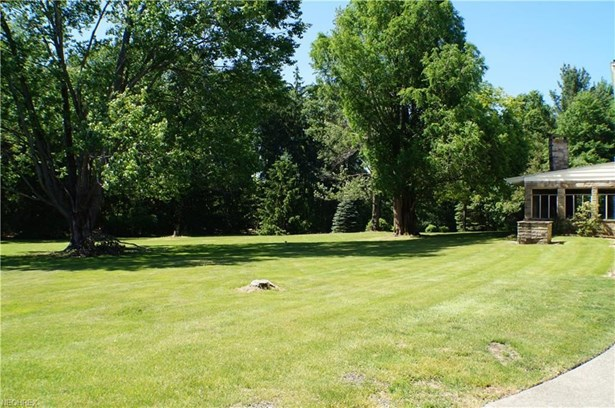 11426 Chillicothe Rd, Chesterland, OH - USA (photo 3)